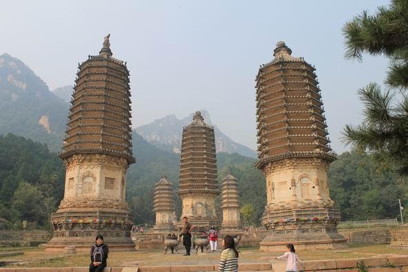 (77) Silver Pagodas-2