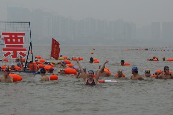 (165) Net zoals Mao zwemmen-1