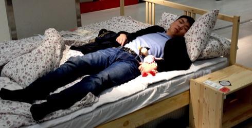 (204) Dutje in IKEA