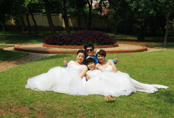 (217) Stad vol bruiden-3